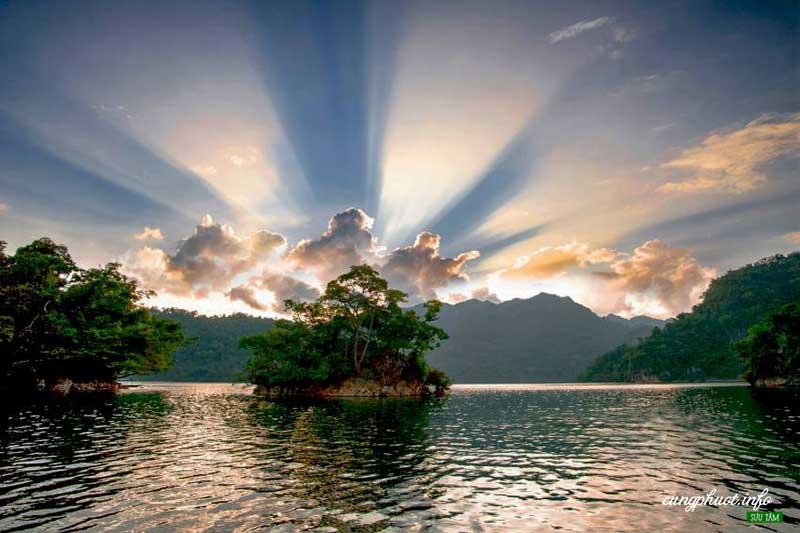 Hoàng hôn đảo Bà Góa (Ảnh – Vũ Kim Khoa)